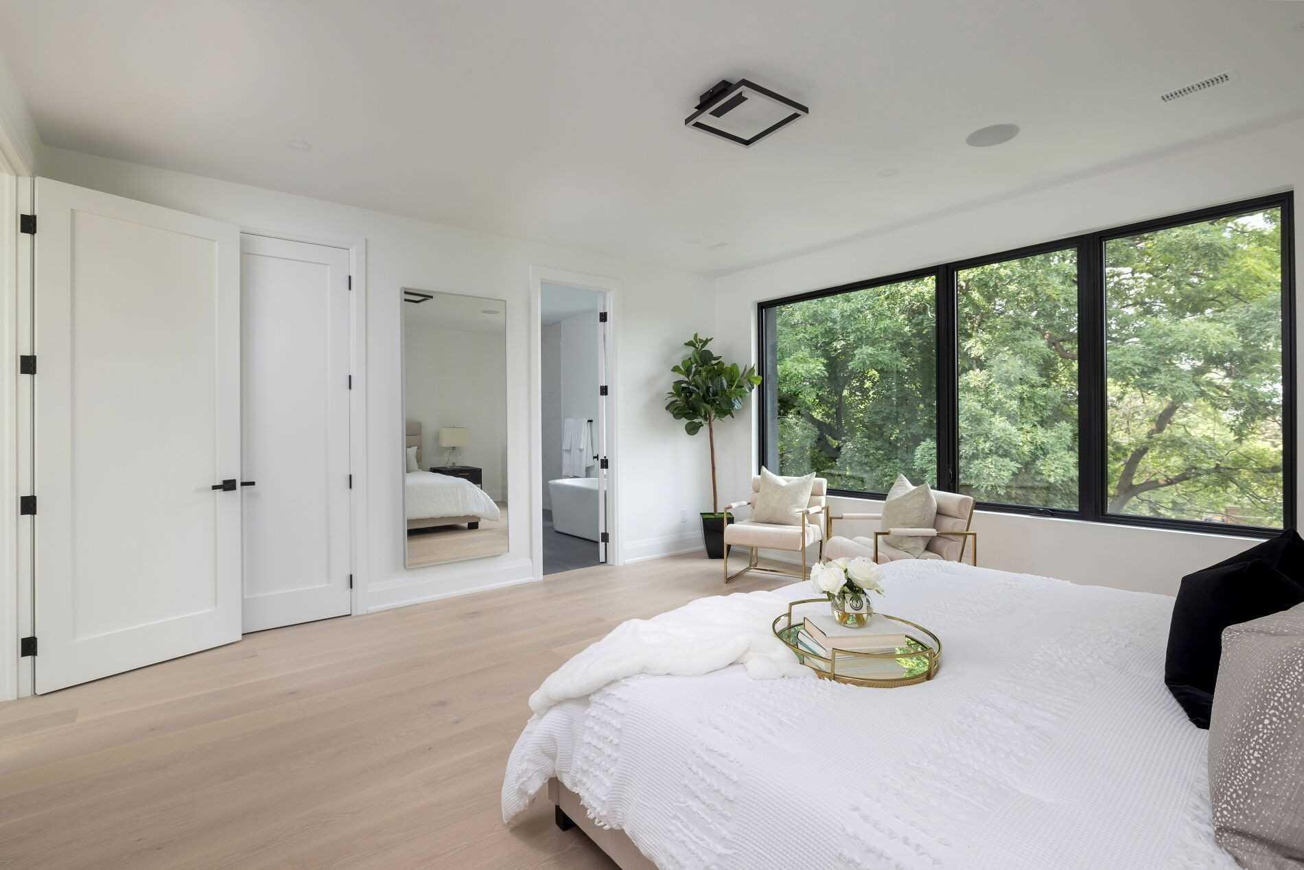42 Cannon Rd, Toronto, Ontario M8Y1R9, 6 Bedrooms Bedrooms, 8 Rooms Rooms,6 BathroomsBathrooms,Detached,For Sale,Cannon,W5362811