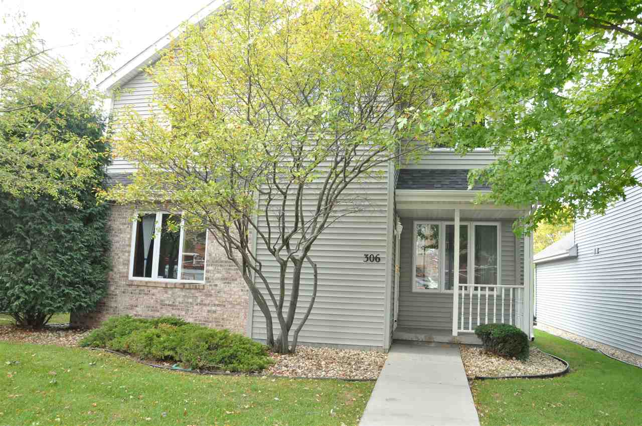 306 Harbour Town Dr, Madison, Wisconsin 53719, 3 Bedrooms Bedrooms, ,Rental,For Sale,Harbour Town Dr,1919238