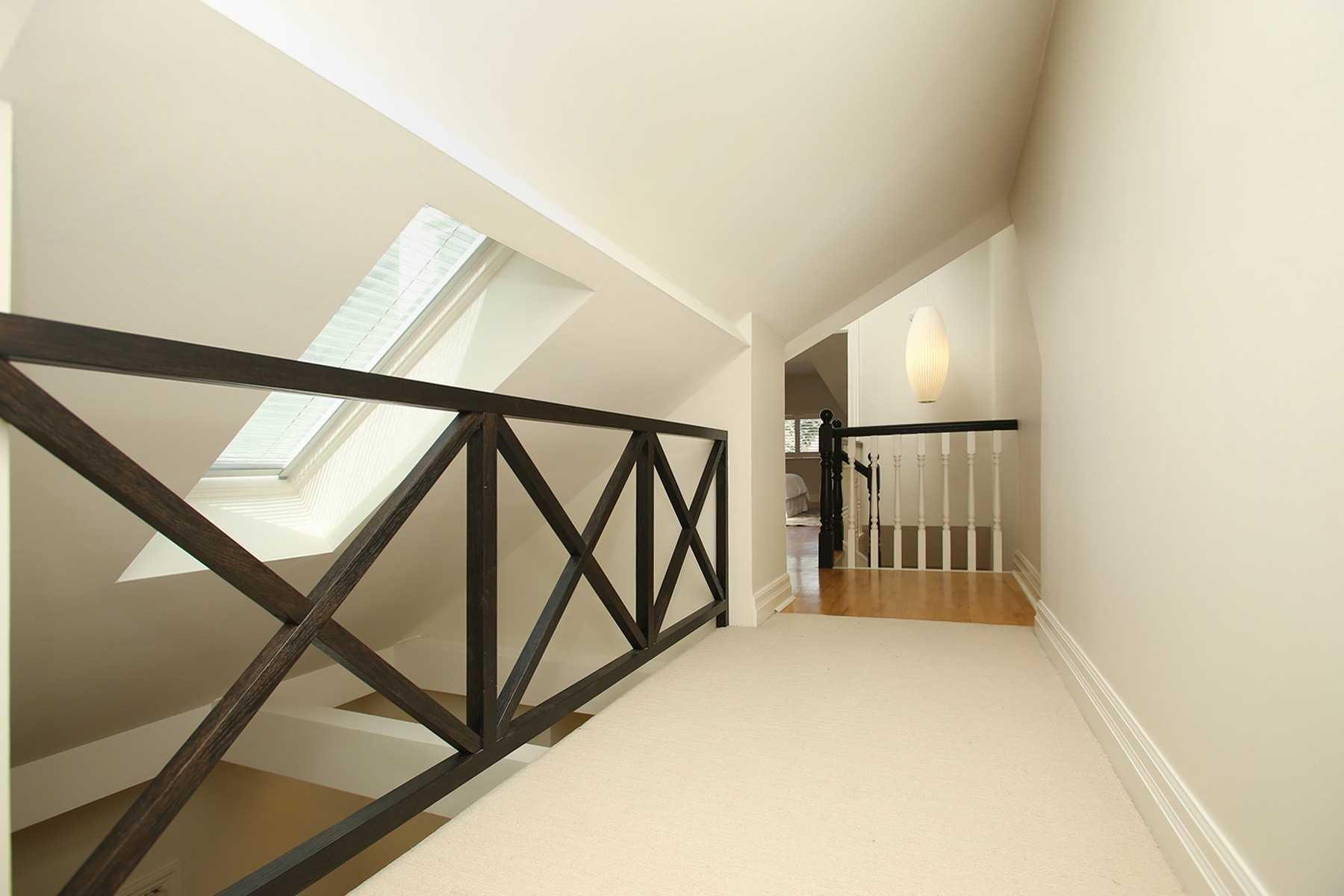 401 Wellesley St, Toronto, Ontario M4X 1H5, 3 Bedrooms Bedrooms, 8 Rooms Rooms,4 BathroomsBathrooms,Semi-detached,For Sale,Wellesley,C5364519