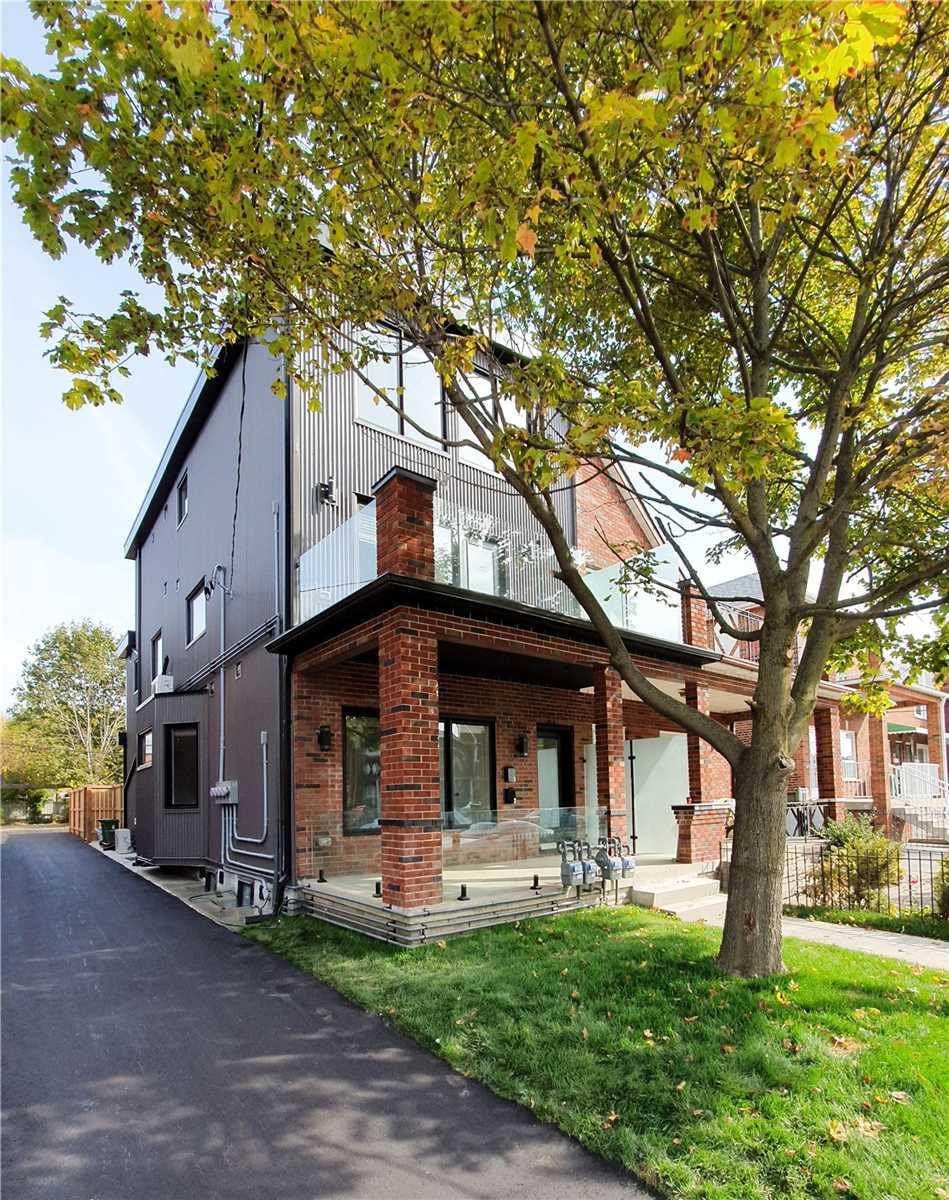 1175 Dovercourt Rd, Toronto, Ontario M6H2Y1, 9 Bedrooms Bedrooms, 20 Rooms Rooms,7 BathroomsBathrooms,Semi-detached,For Sale,Dovercourt,W5364052