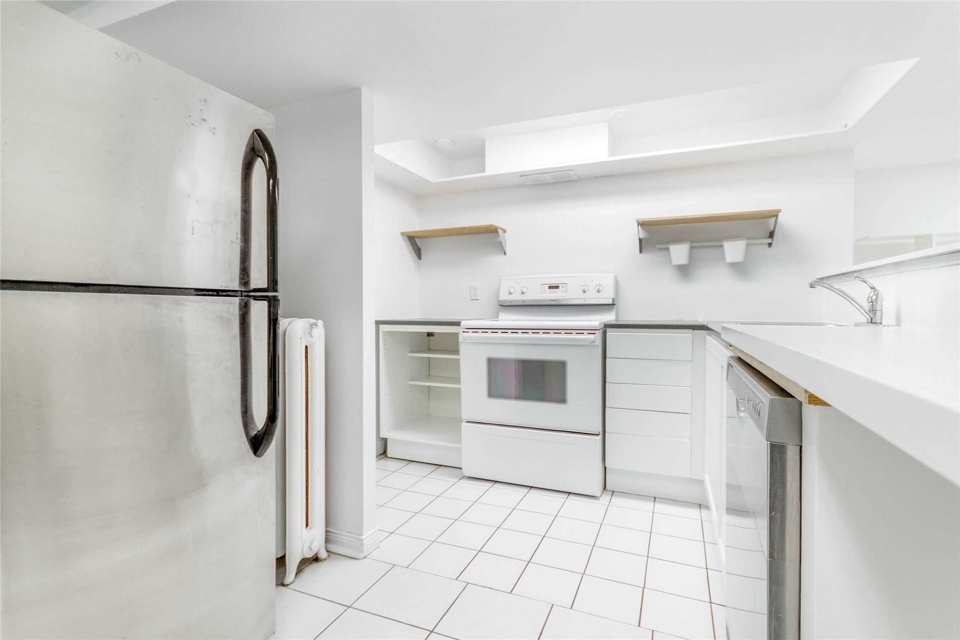520 Prince Edward Dr, Toronto, Ontario M8X2M5, 2 Bedrooms Bedrooms, ,1 BathroomBathrooms,Lower Level,For Lease,Prince Edward,W5365075