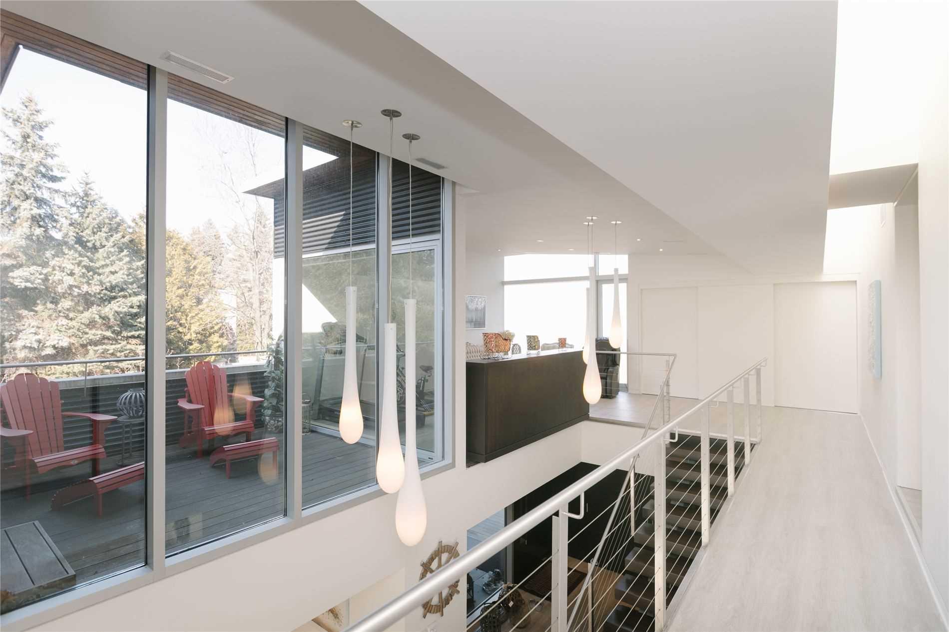 35 Misty Cres, Toronto, Ontario M3B 1T2, 3 Bedrooms Bedrooms, 9 Rooms Rooms,6 BathroomsBathrooms,Detached,For Sale,Misty,C5365430