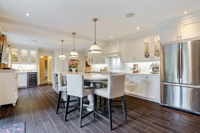 12 Queensborough Cres, Toronto, Ontario M9R1L2, 4 Bedrooms Bedrooms, 9 Rooms Rooms,4 BathroomsBathrooms,Detached,For Sale,Queensborough,W5365636