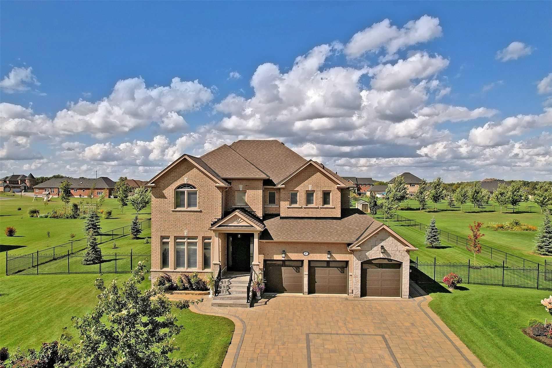 40 Stonesthrow Cres, Uxbridge, Ontario L0C 1A0, 4 Bedrooms Bedrooms, ,4 BathroomsBathrooms,Detached,For Sale,Stonesthrow,N5365971