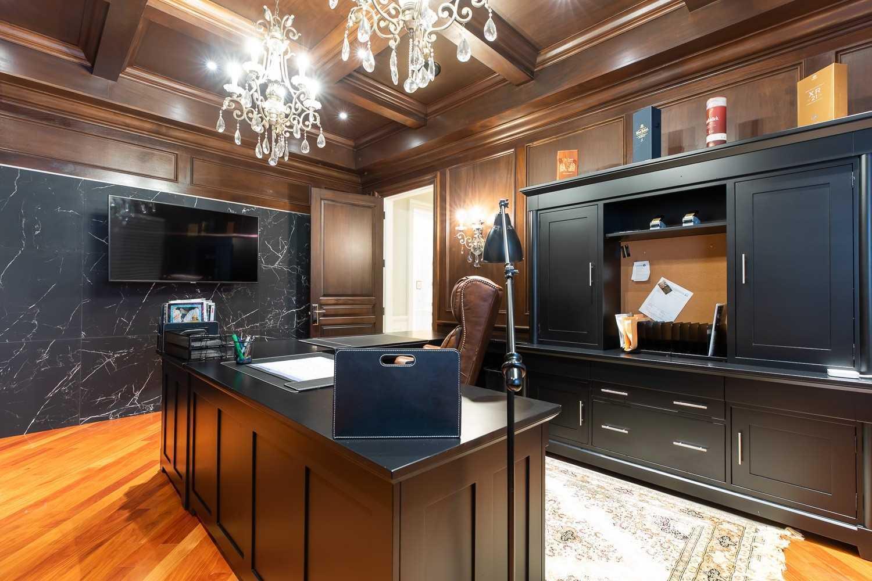 158 Edenbridge Dr, Toronto, Ontario M9A 3G6, 4 Bedrooms Bedrooms, 12 Rooms Rooms,6 BathroomsBathrooms,Detached,For Sale,Edenbridge,W5366158