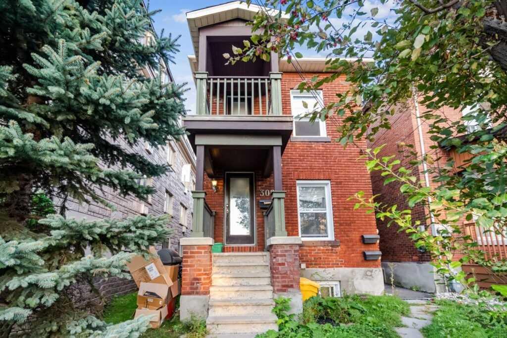 309 Lebreton St, Ottawa, Ontario K1S 4L4, 5 Bedrooms Bedrooms, ,3 BathroomsBathrooms,Triplex,For Sale,Lebreton,X5366189
