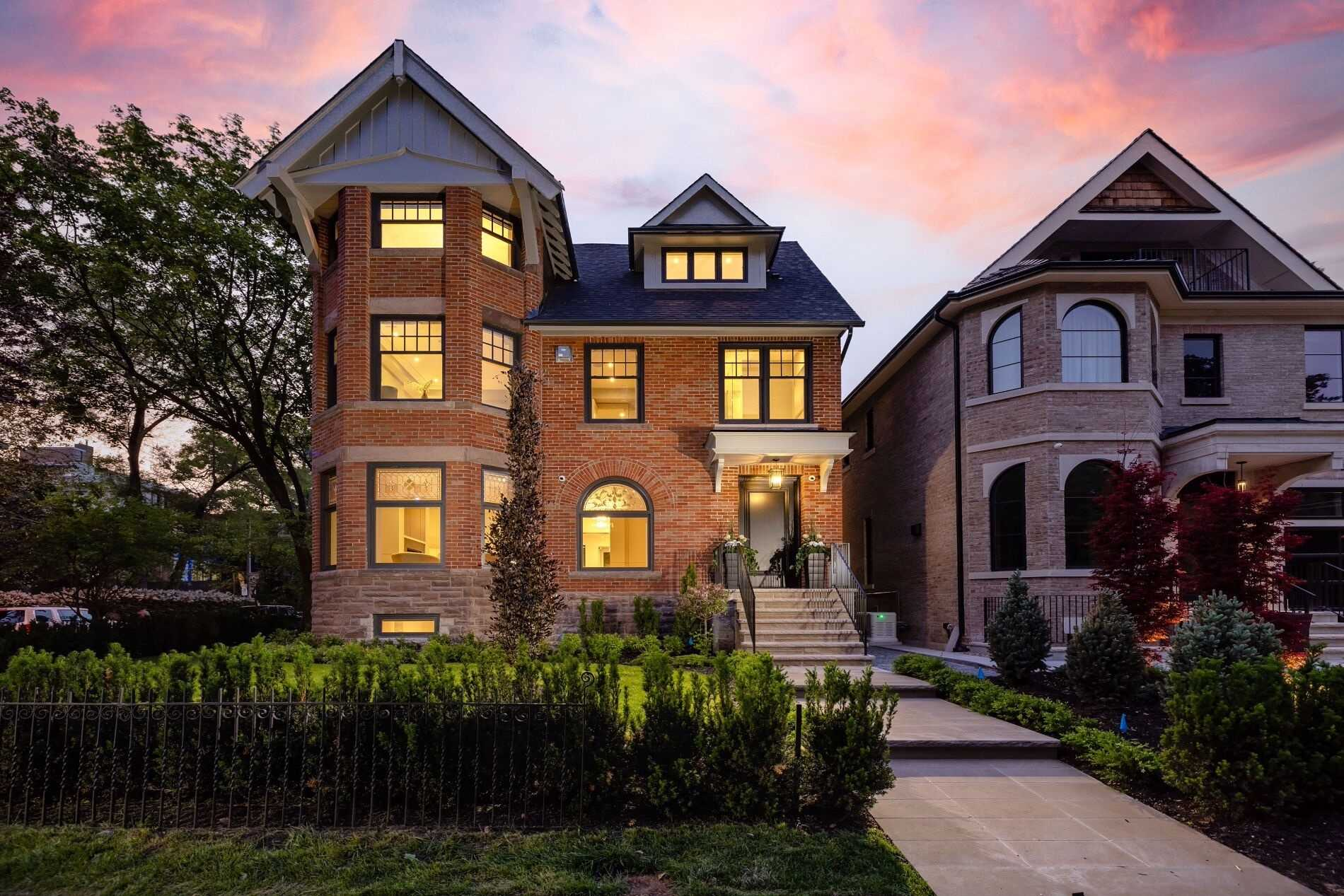 70 Lowther Ave, Toronto, Ontario M5R1C7, 5 Bedrooms Bedrooms, 9 Rooms Rooms,7 BathroomsBathrooms,Detached,For Sale,Lowther,C5365768