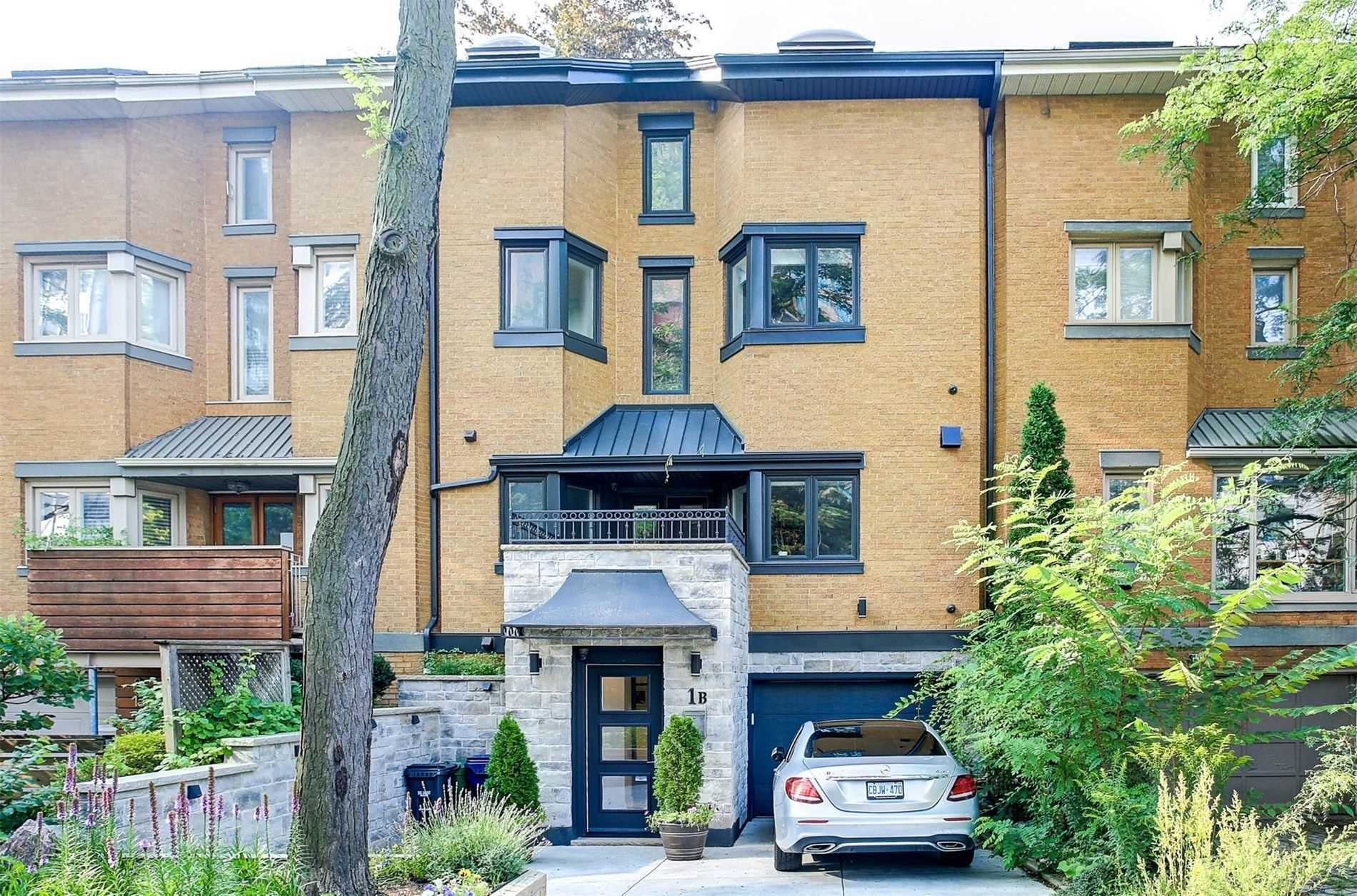 Att/row/twnhouse For Sale In Toronto , 3 Bedrooms Bedrooms, ,4 BathroomsBathrooms,Att/row/twnhouse,For Sale,Lynwood