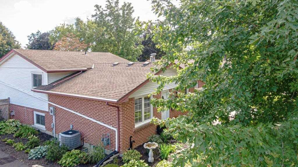 998 Nesbitt Crt, Woodstock, Ontario N4S7P1, 4 Bedrooms Bedrooms, ,2 BathroomsBathrooms,Detached,For Sale,Nesbitt,X5366658