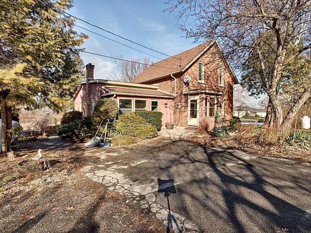 Detached house For Sale In Prince Edward County - 2228 County Road 3, Prince Edward County, Ontario, Canada K0K1L0 , 4 Bedrooms Bedrooms, ,4 BathroomsBathrooms,Detached,For Sale,County Road 3