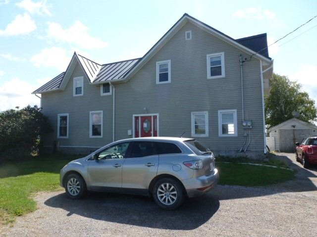 2220 Highway 7A Rd, Scugog, Ontario L9L1B4, 3 Bedrooms Bedrooms, ,4 BathroomsBathrooms,Duplex,For Sale,Highway 7A,E5367997