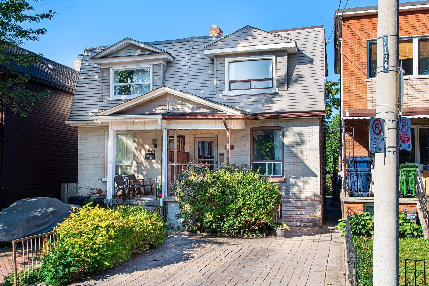 Semi-Detached For Sale In Toronto , 3 Bedrooms Bedrooms, ,2 BathroomsBathrooms,Semi-Detached,For Sale,Westmoreland