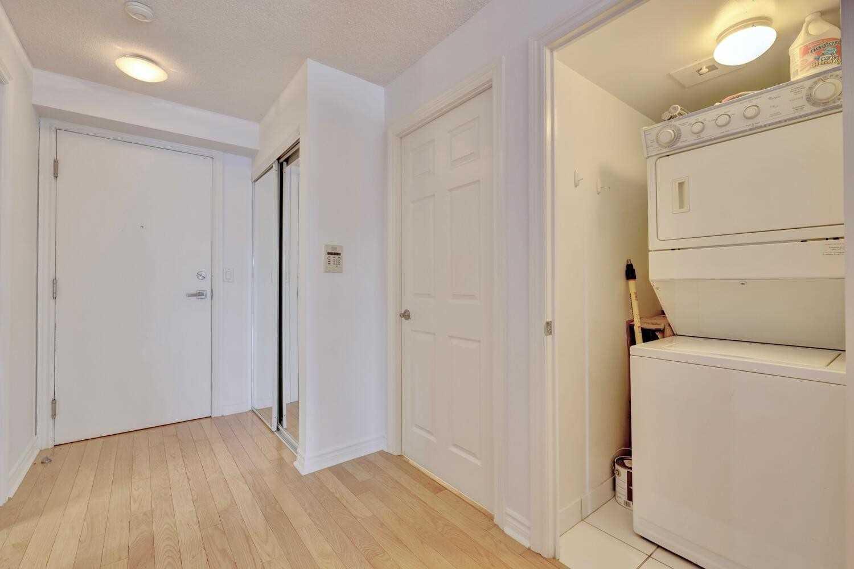 Condo Apt For Sale In Toronto , 1 Bedroom Bedrooms, ,1 BathroomBathrooms,Condo Apt,For Sale,1133,Wellington