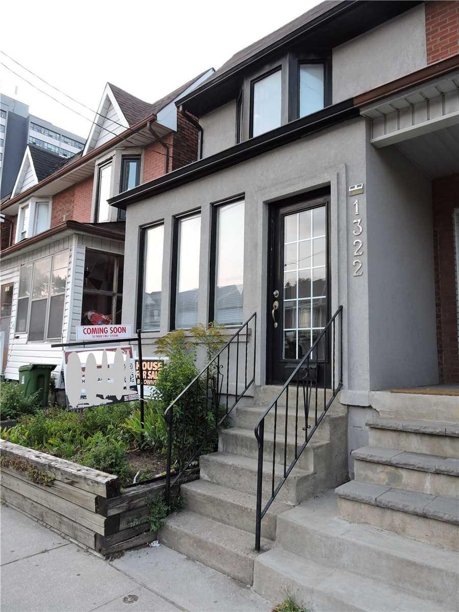 Semi-Detached For Sale In Toronto , 3 Bedrooms Bedrooms, ,2 BathroomsBathrooms,Semi-Detached,For Sale,Dupont