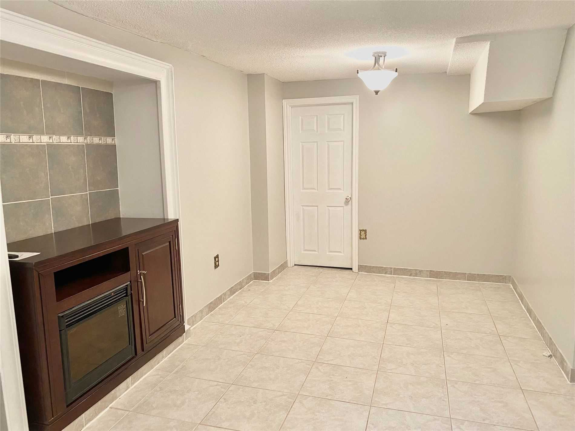 Lower Level For Lease In Mississauga , 1 Bedroom Bedrooms, ,1 BathroomBathrooms,Lower Level,For Lease,Lower,Hedge