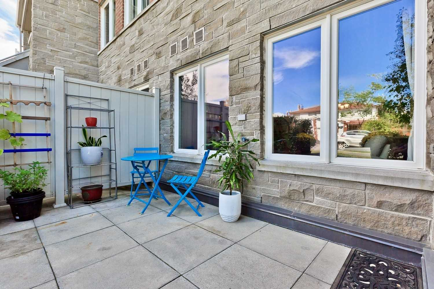 Condo Townhouse For Sale In Toronto , 2 Bedrooms Bedrooms, ,2 BathroomsBathrooms,Condo Townhouse,For Sale,108,Richgrove