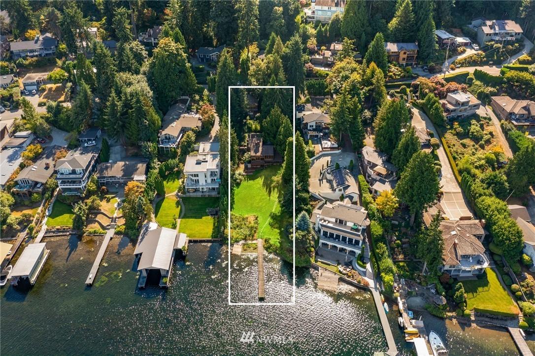 9528 Shoreland Drive, Bellevue, Washington 98004, 4 Bedrooms Bedrooms, ,1 BathroomBathrooms,Residential,For Sale,Shoreland,NWM1839521