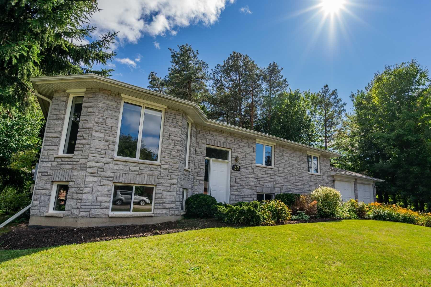 Detached house For Sale In Adjala-Tosorontio - 37 Pine Park Blvd, Adjala-Tosorontio, Ontario, Canada L0M1J0 , 2 Bedrooms Bedrooms, ,2 BathroomsBathrooms,Detached,For Sale,Pine Park