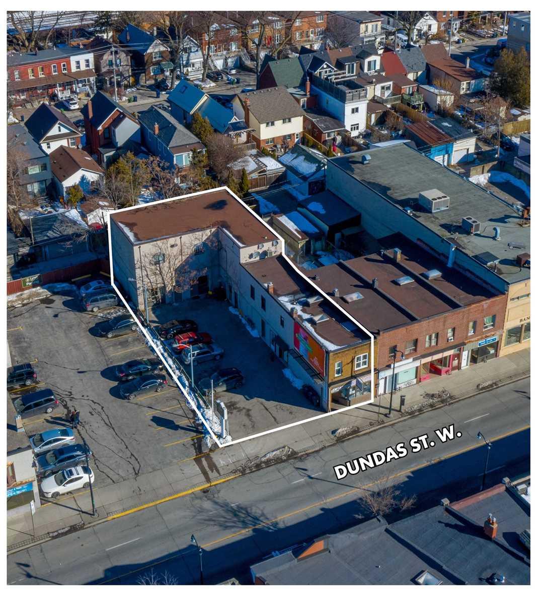 3290 Dundas St, Toronto, Ontario M6P 2A4, ,Store W/apt/offc,For Sale,Dundas,W5371998