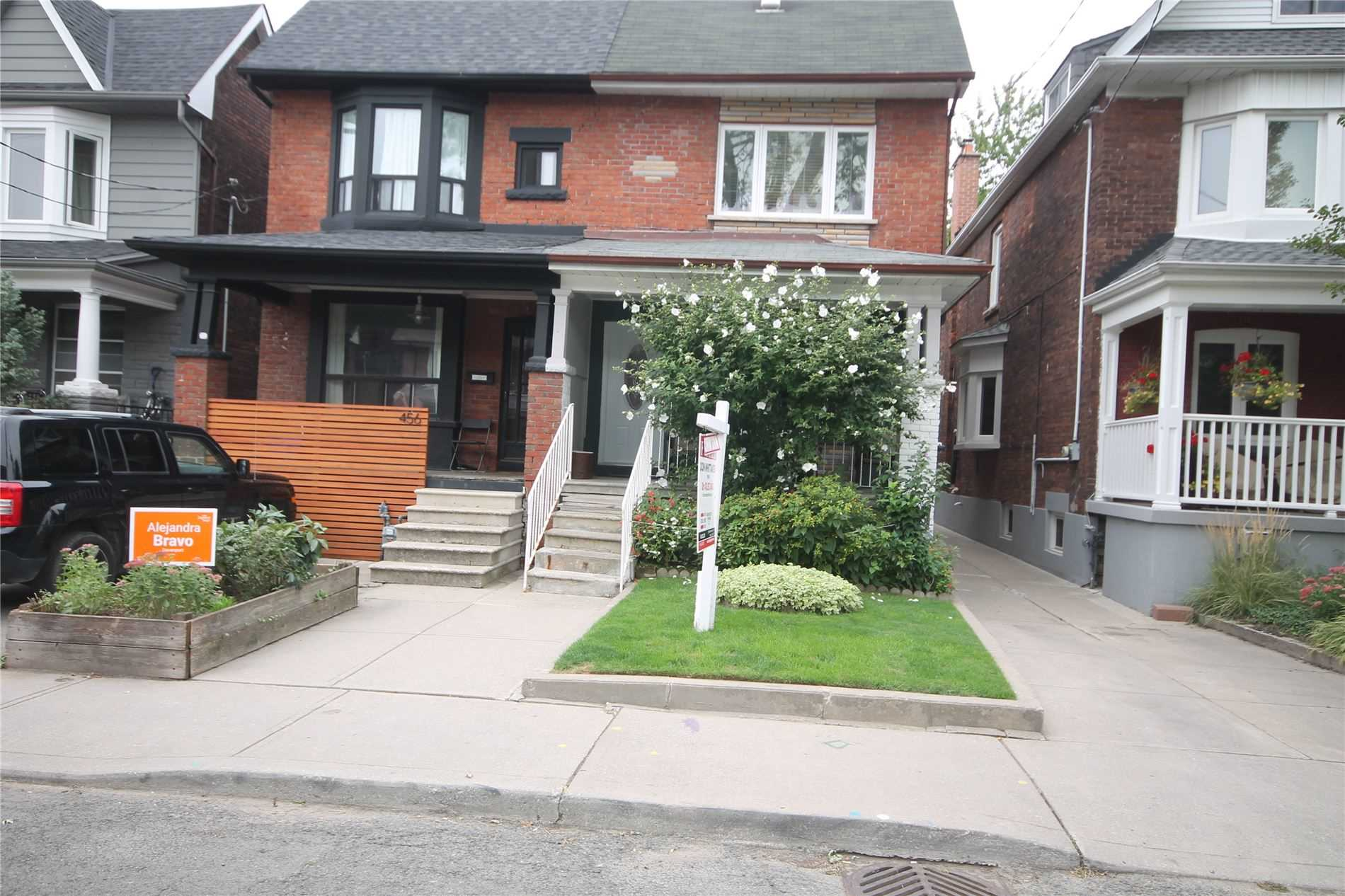 Semi-Detached For Sale In Toronto , 3 Bedrooms Bedrooms, ,2 BathroomsBathrooms,Semi-Detached,For Sale,Margueretta