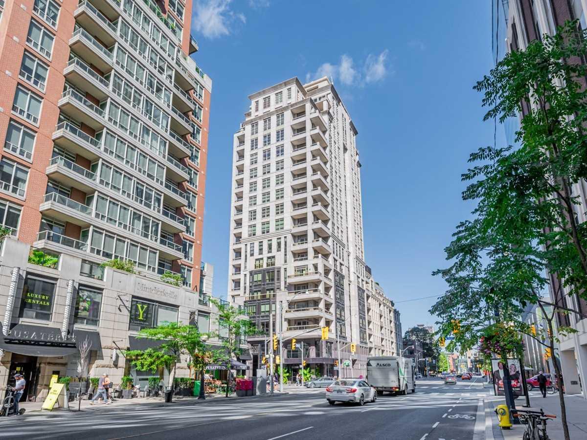 Condo Apt For Sale In Toronto , 2 Bedrooms Bedrooms, ,2 BathroomsBathrooms,Condo Apt,For Sale,601,Yorkville