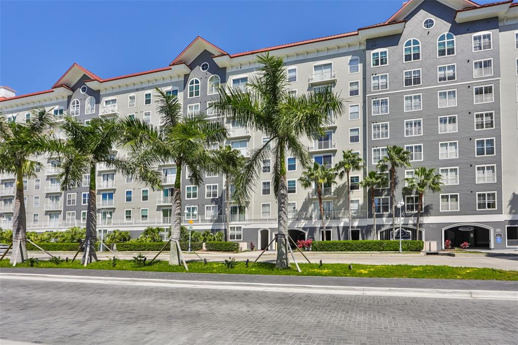 700 HARBOUR ISLAND BOULEVARD, TAMPA, Florida 33602, 3 Bedrooms Bedrooms, ,2 BathroomsBathrooms,Residential,For Sale,HARBOUR ISLAND,MFRT3329796