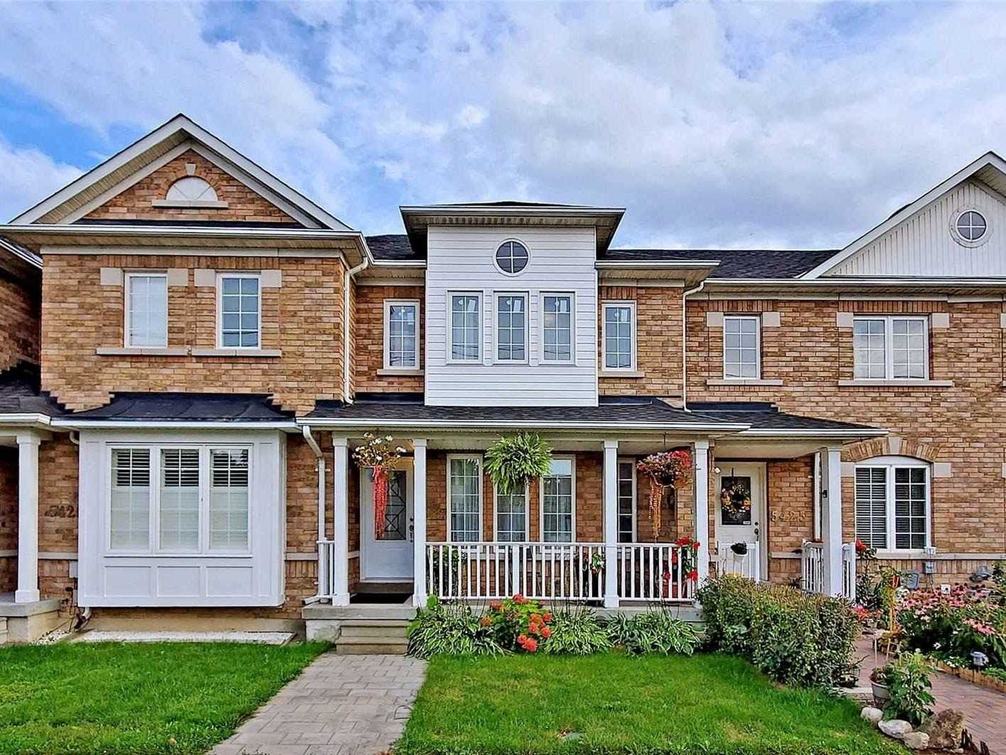 Att/row/twnhouse For Sale In Toronto , 3 Bedrooms Bedrooms, ,2 BathroomsBathrooms,Att/row/twnhouse,For Sale,Lawrence