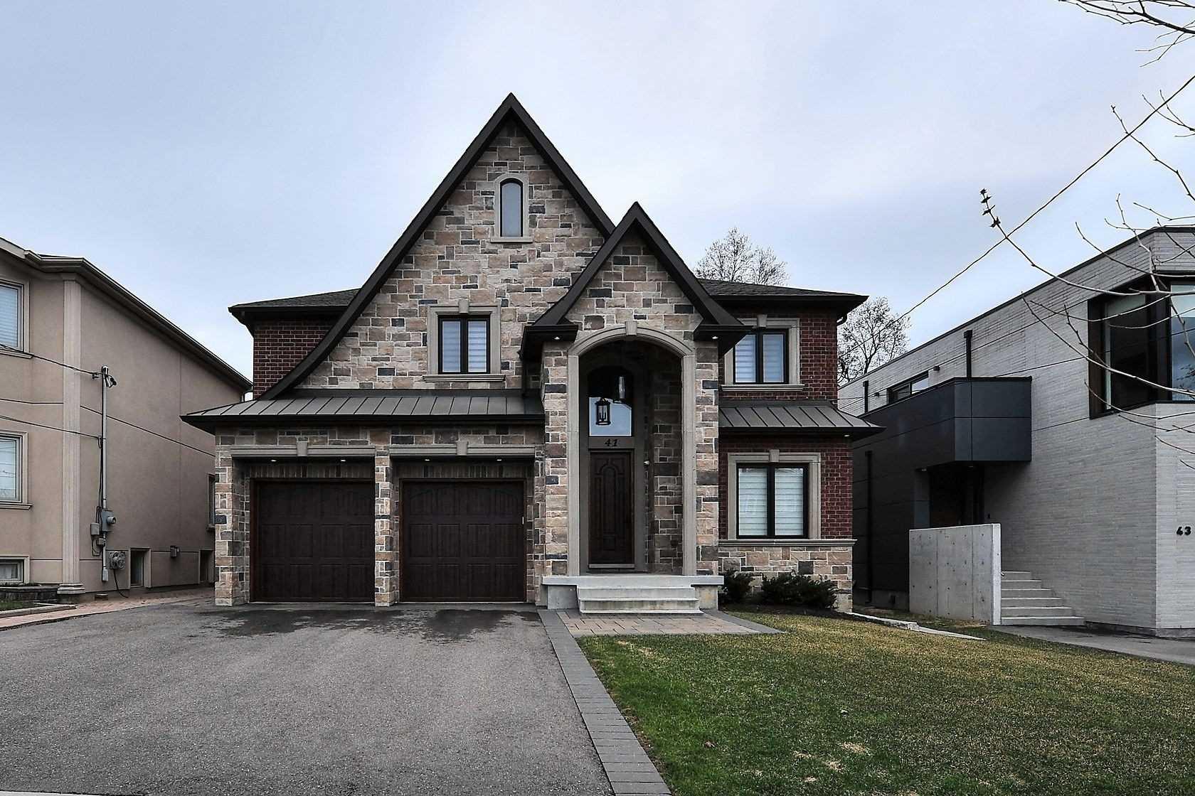 41 Grovedale Ave, Toronto, Ontario M6L1Y5, 4 Bedrooms Bedrooms, 8 Rooms Rooms,4 BathroomsBathrooms,Detached,For Sale,Grovedale,W5372448