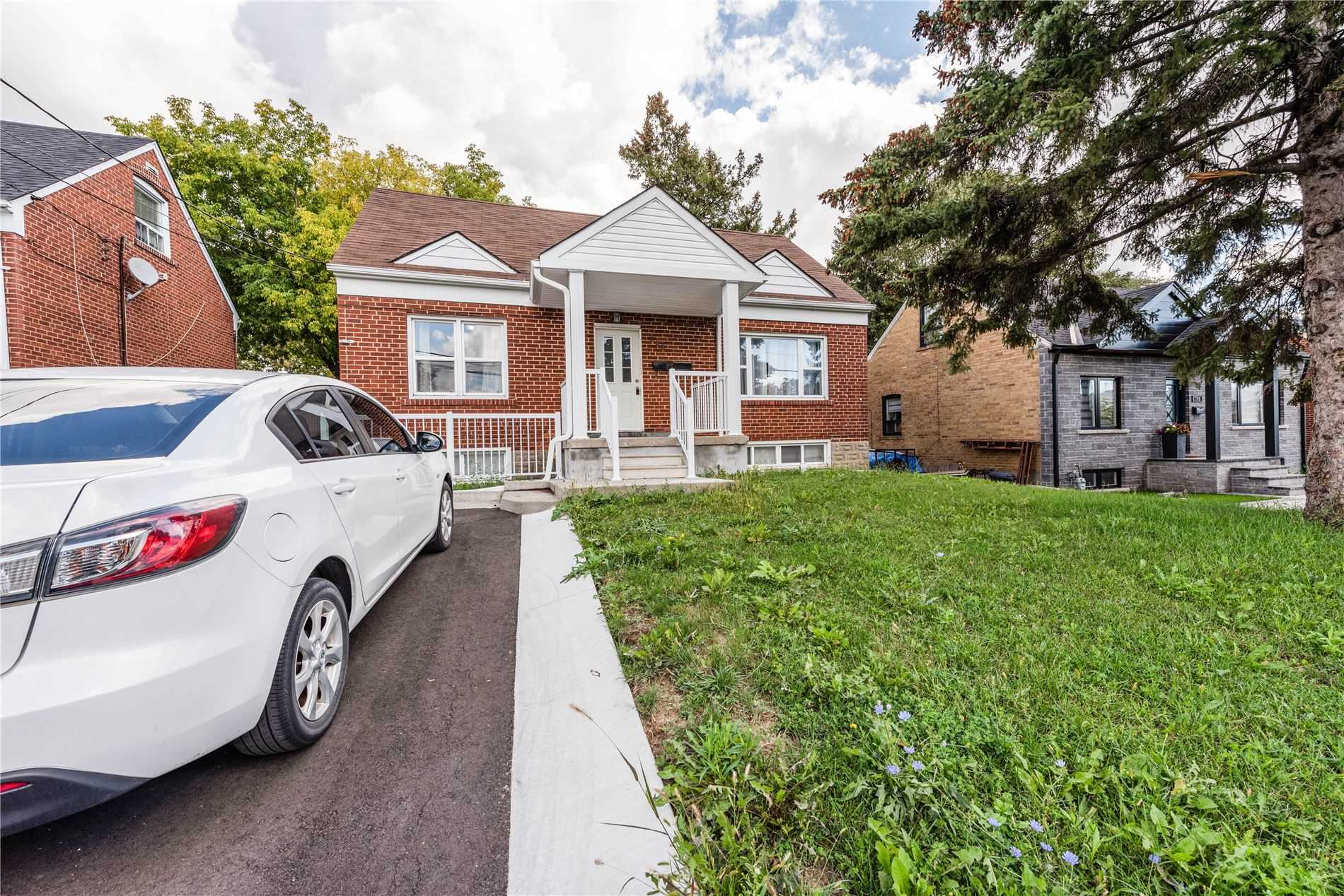 Detached house For Lease In Toronto - 111 Jethro Rd, Toronto, Ontario, Canada M3L1H1 , 4 Bedrooms Bedrooms, ,2 BathroomsBathrooms,Detached,For Lease,Jethro