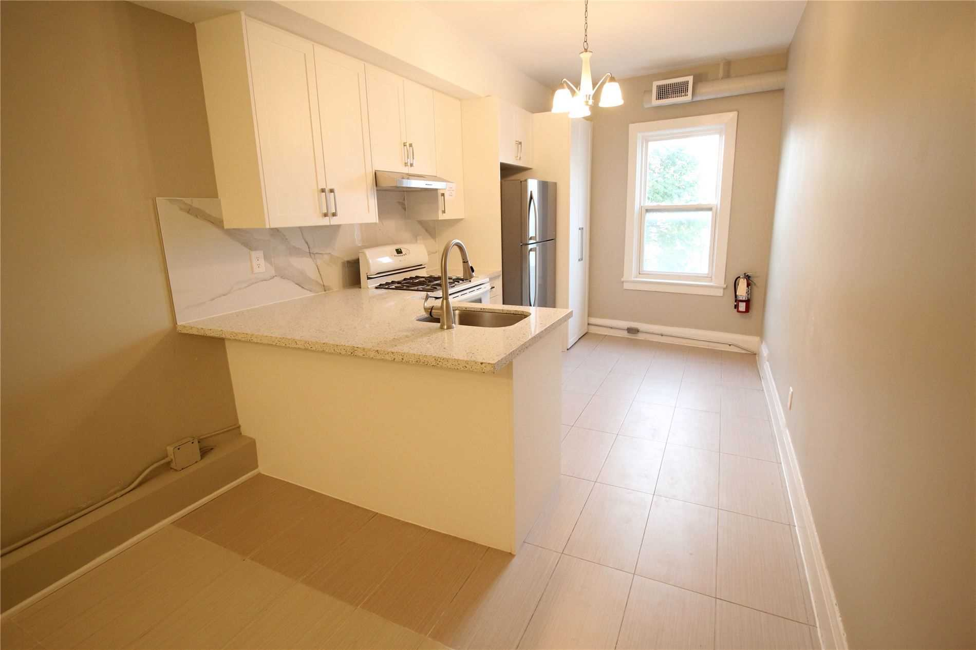 Semi-Detached For Lease In Toronto , 3 Bedrooms Bedrooms, ,1 BathroomBathrooms,Semi-Detached,For Lease,200,Dundas