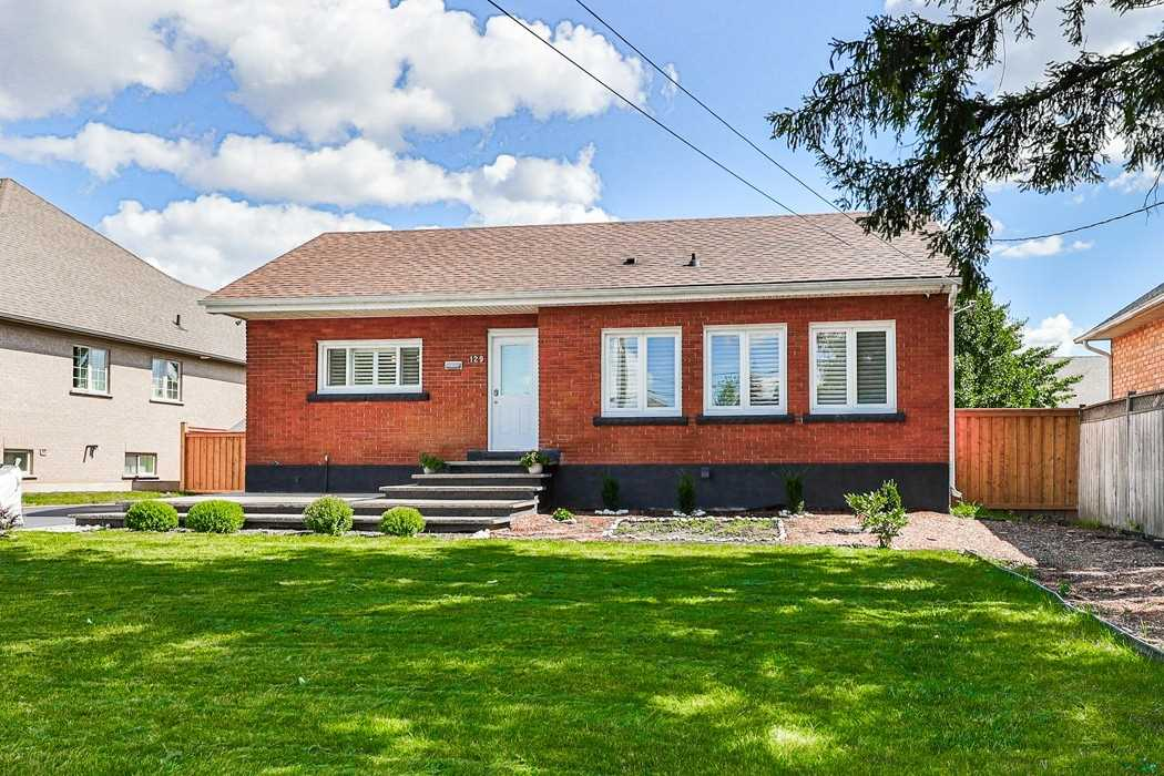 Detached house For Sale In Hamilton - 129 Chesley St, Hamilton, Ontario, Canada L9C3V9 , 2 Bedrooms Bedrooms, ,2 BathroomsBathrooms,Detached,For Sale,Chesley
