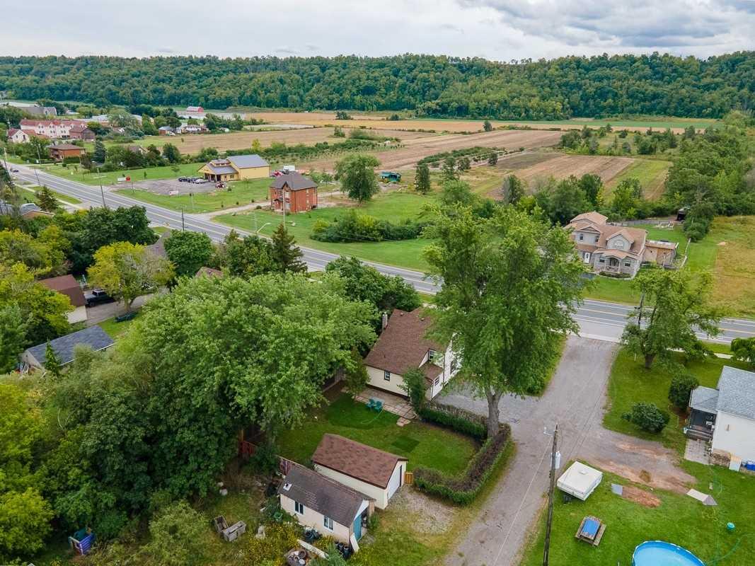Detached house For Sale In Hamilton - 835 #8 Highway, Hamilton, Ontario, Canada L8E 5J3 , 3 Bedrooms Bedrooms, ,1 BathroomBathrooms,Detached,For Sale,#8 Highway