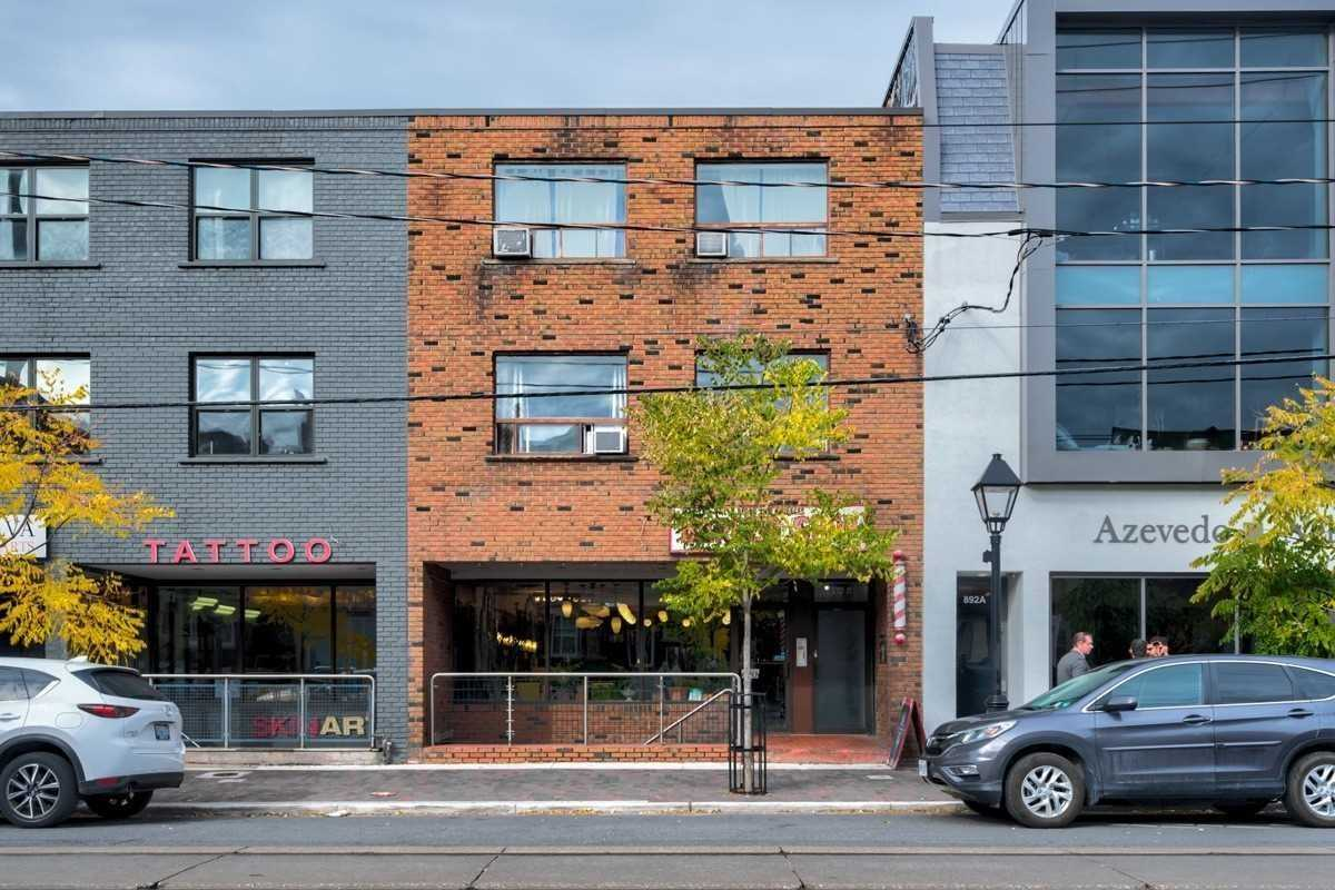 Upper Level For Lease In Toronto , 2 Bedrooms Bedrooms, ,1 BathroomBathrooms,Upper Level,For Lease,102,College