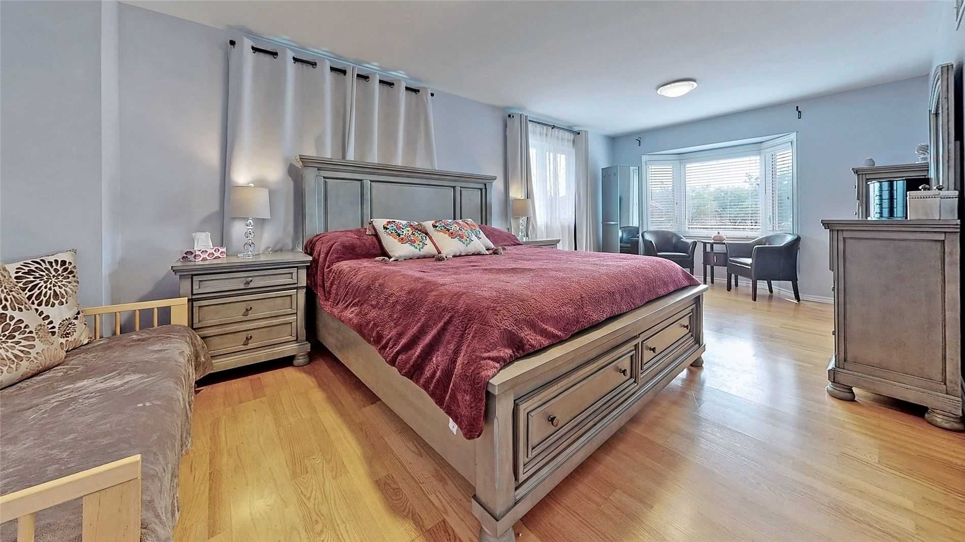 Att/row/twnhouse For Sale In Mississauga , 4 Bedrooms Bedrooms, ,3 BathroomsBathrooms,Att/row/twnhouse,For Sale,Killaby