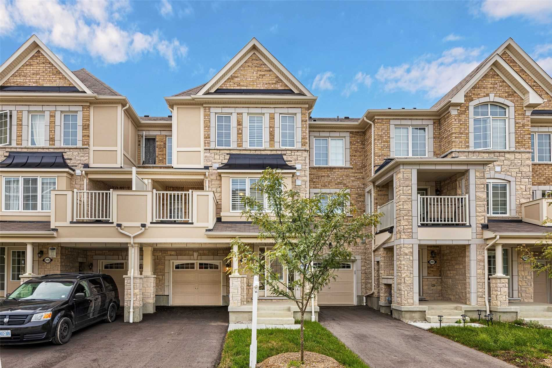 2493 Fall Harvest Cres, Pickering, Ontario L1V 2P8, 3 Bedrooms Bedrooms, ,3 BathroomsBathrooms,Att/row/twnhouse,For Sale,Fall Harvest,E5374529