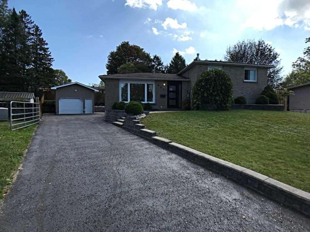 Detached house For Sale In Midland - 993 Glen Bogie Cres, Midland, Ontario, Canada L4R4S7 , 3 Bedrooms Bedrooms, ,2 BathroomsBathrooms,Detached,For Sale,Glen Bogie