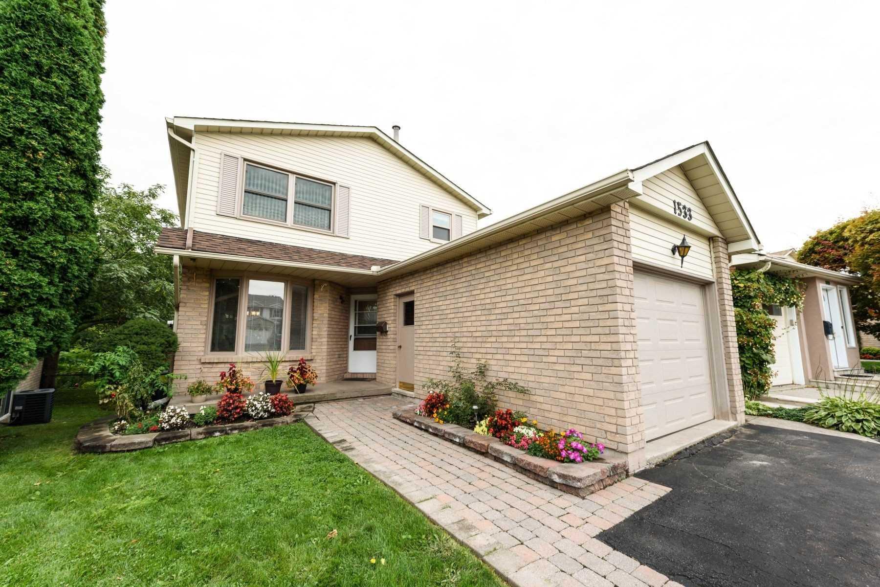 Detached house For Sale In Burlington - 1533 Riley Ave, Burlington, Ontario, Canada L7M3E8 , 3 Bedrooms Bedrooms, ,3 BathroomsBathrooms,Detached,For Sale,Riley