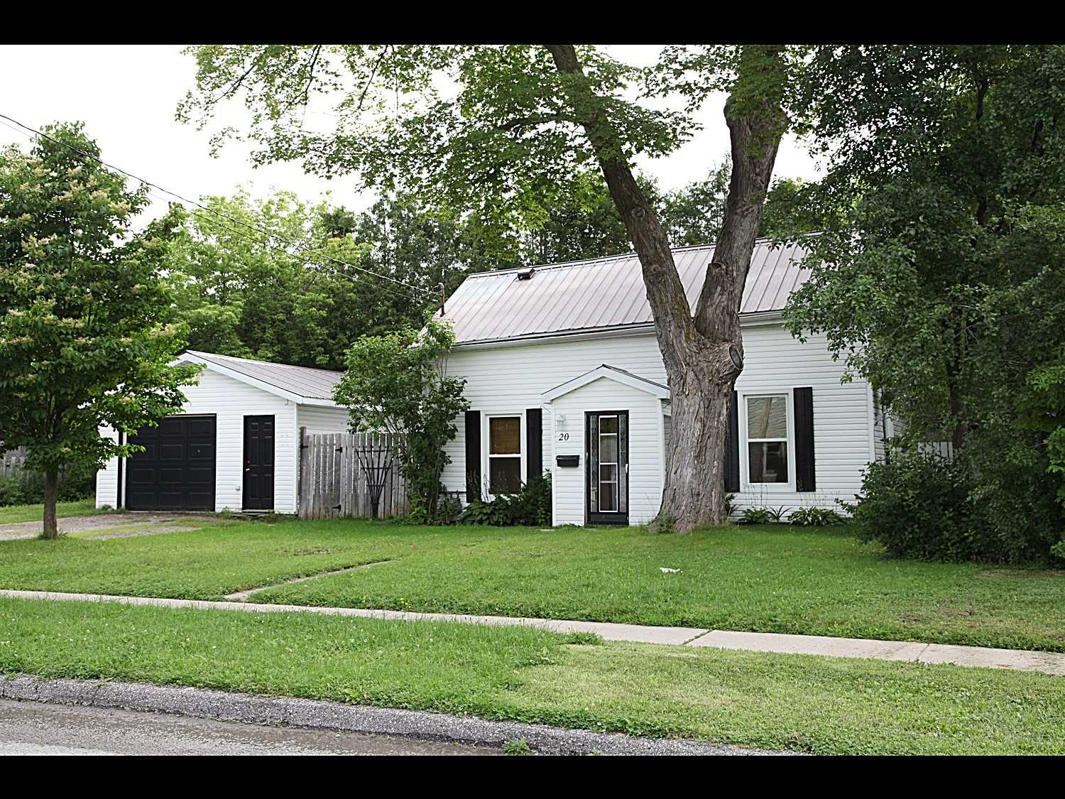 Detached house For Sale In Kawartha Lakes