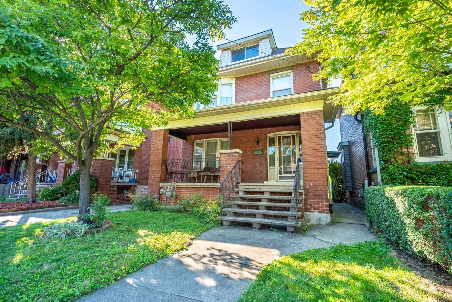 Detached house For Sale In Hamilton