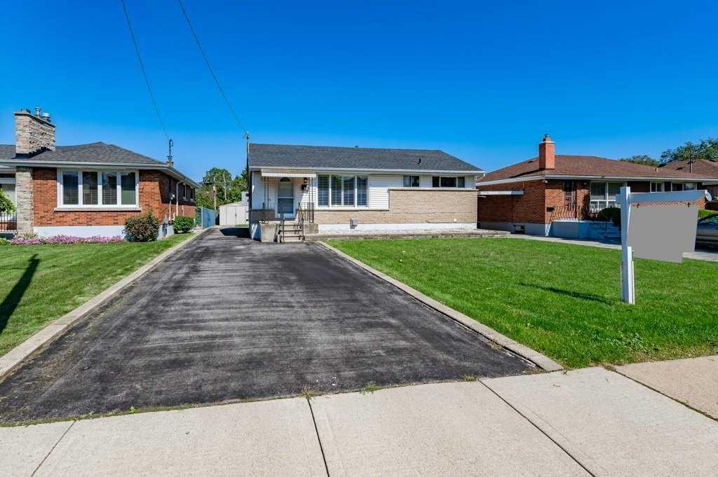 Detached house For Sale In Hamilton - 35 Orphir Rd, Hamilton, Ontario, Canada L8K 3Y9 , 3 Bedrooms Bedrooms, ,2 BathroomsBathrooms,Detached,For Sale,Orphir