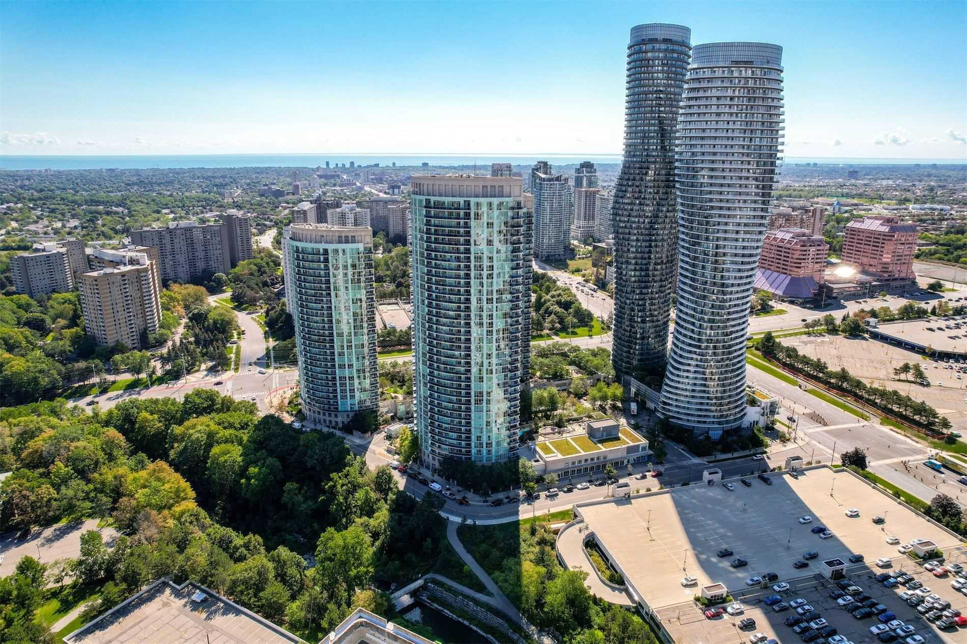 Condo Apt For Sale In Mississauga , 2 Bedrooms Bedrooms, ,2 BathroomsBathrooms,Condo Apt,For Sale,303,Absolute