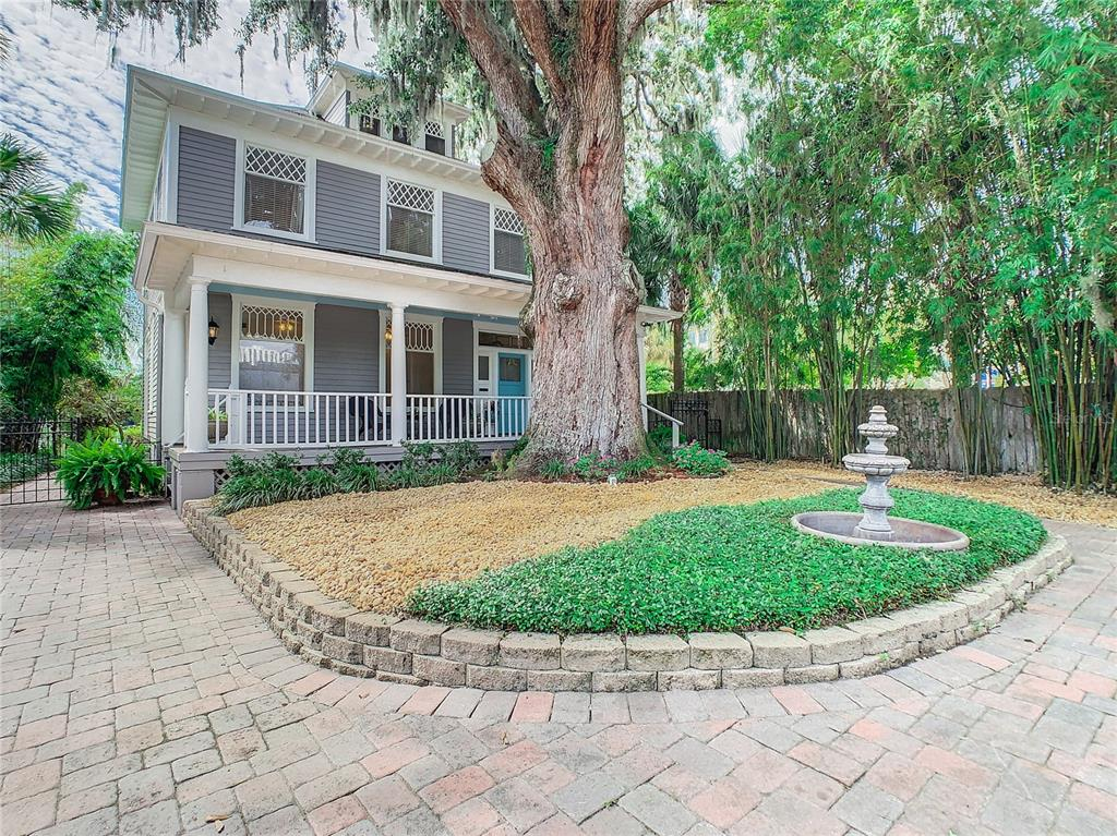 60 WAVERLY PLACE, ORLANDO, Florida 32806, 4 Bedrooms Bedrooms, ,3 BathroomsBathrooms,Residential,For Sale,WAVERLY,MFRO5973763