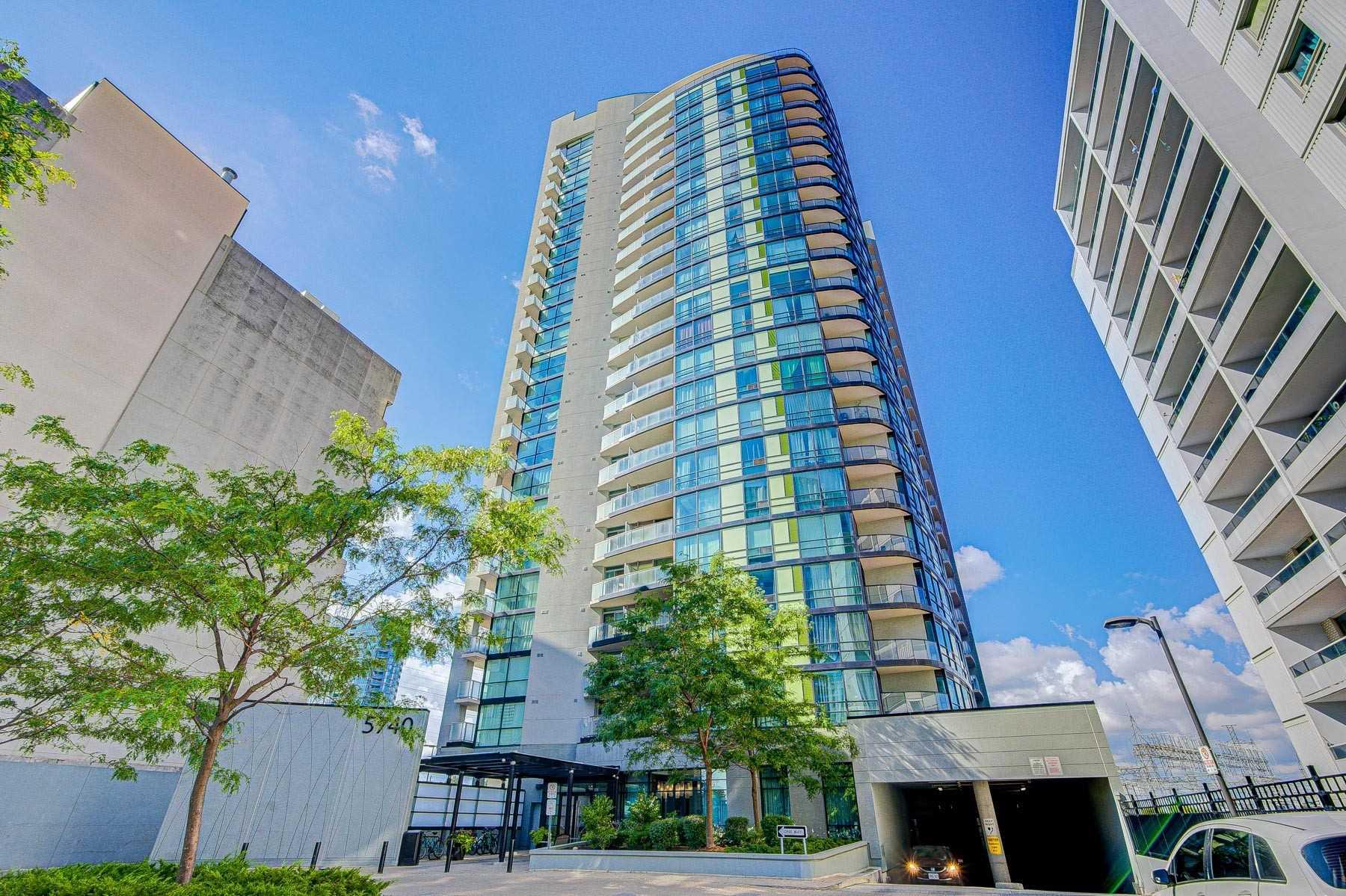 Condo Apt For Sale In Toronto , 2 Bedrooms Bedrooms, ,2 BathroomsBathrooms,Condo Apt,For Sale,1207,Yonge