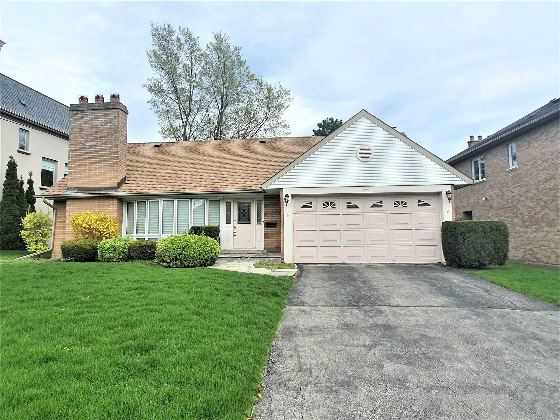 Detached house For Lease In Toronto - 45 Rollscourt Dr, Toronto, Ontario, Canada M2L1X6 , 3 Bedrooms Bedrooms, ,3 BathroomsBathrooms,Detached,For Lease,Rollscourt