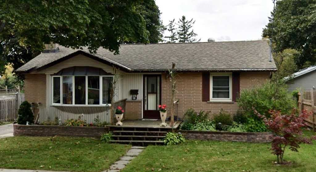 Detached house For Lease In Whitby