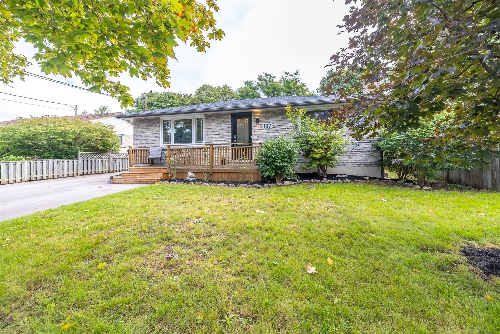 Detached house For Sale In Guelph