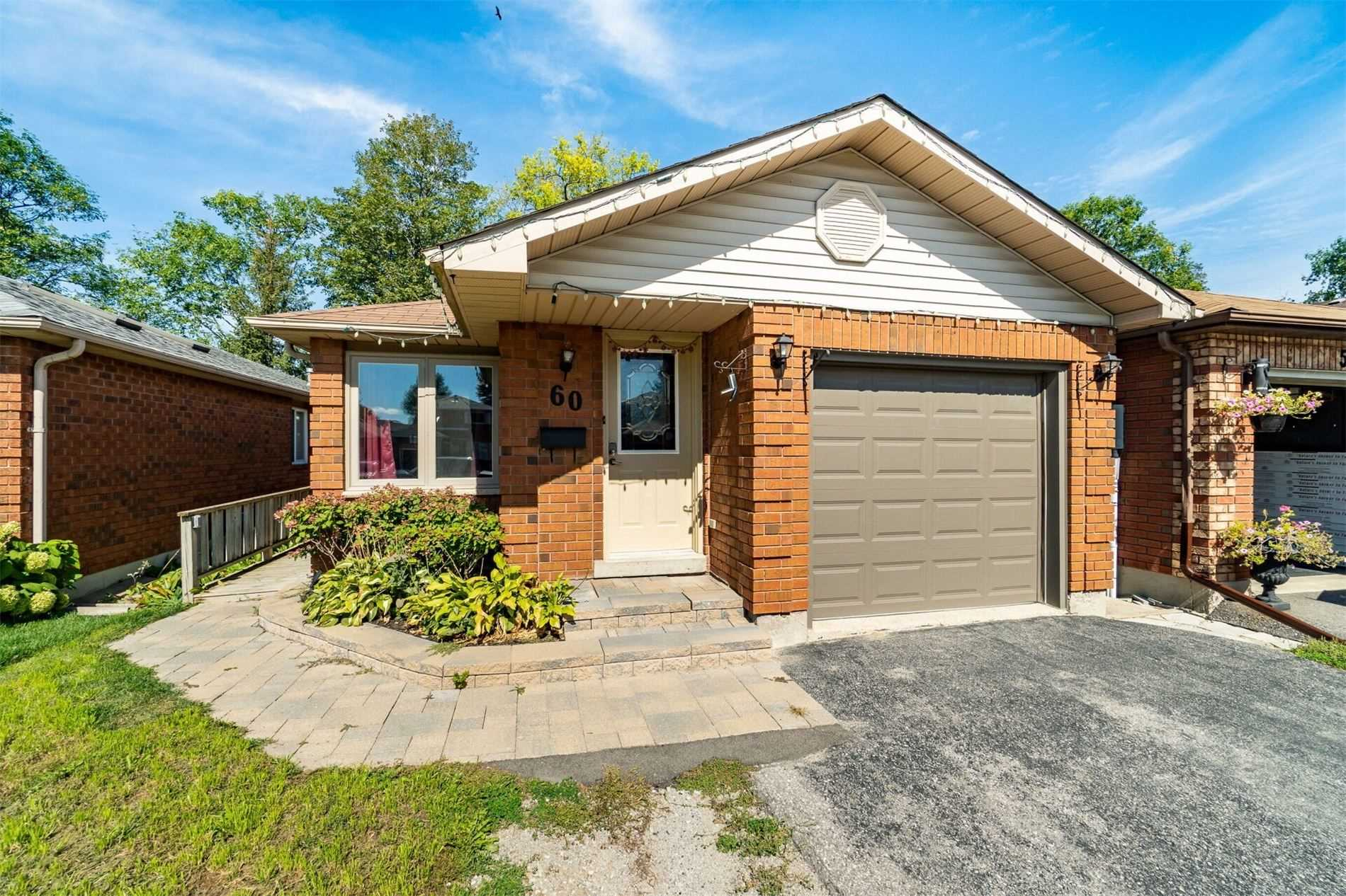 Detached house For Sale In Barrie - 60 Ferguson Dr, Barrie, Ontario, Canada L4N7B5 , 2 Bedrooms Bedrooms, ,2 BathroomsBathrooms,Detached,For Sale,Ferguson