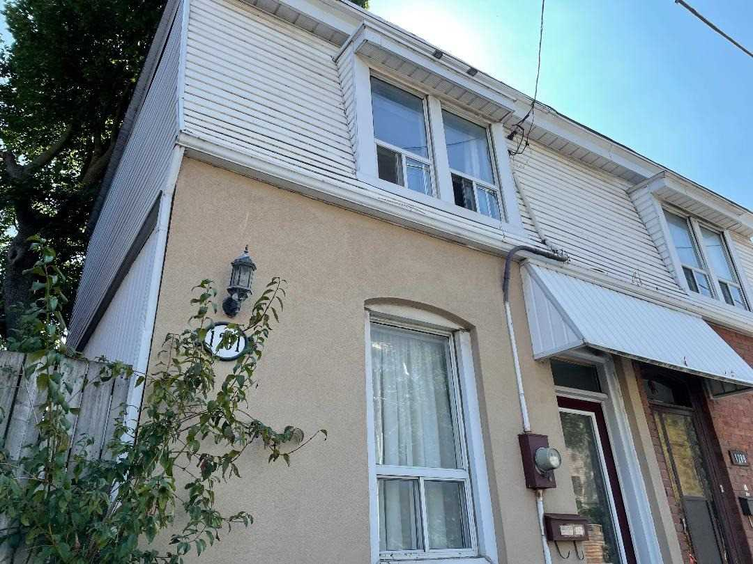 Semi-Detached For Sale In Toronto , 3 Bedrooms Bedrooms, ,1 BathroomBathrooms,Semi-Detached,For Sale,Dundas
