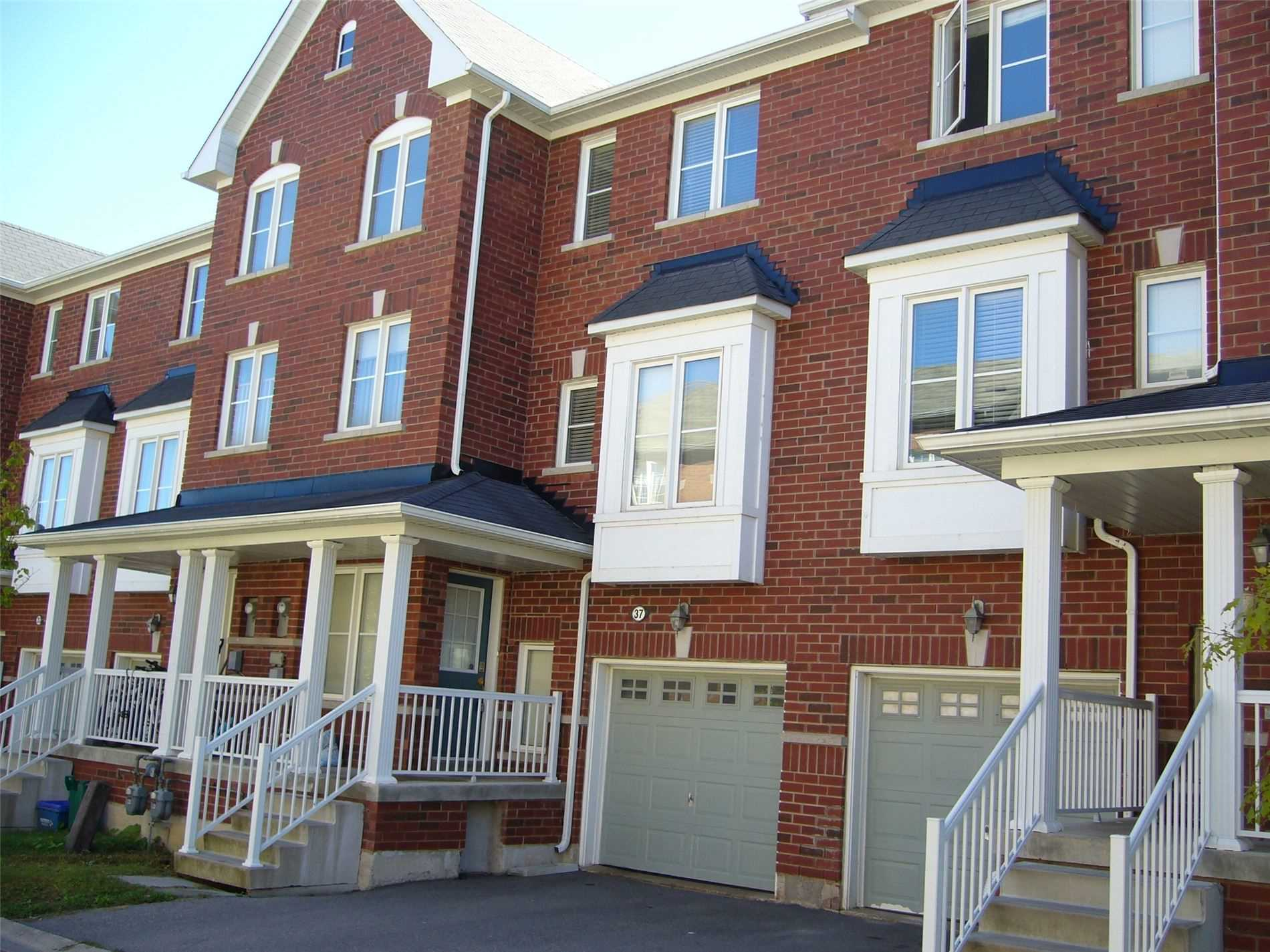 Att/row/twnhouse For Lease In Richmond Hill , 3 Bedrooms Bedrooms, ,3 BathroomsBathrooms,Att/row/twnhouse,For Lease,37,Old Colony