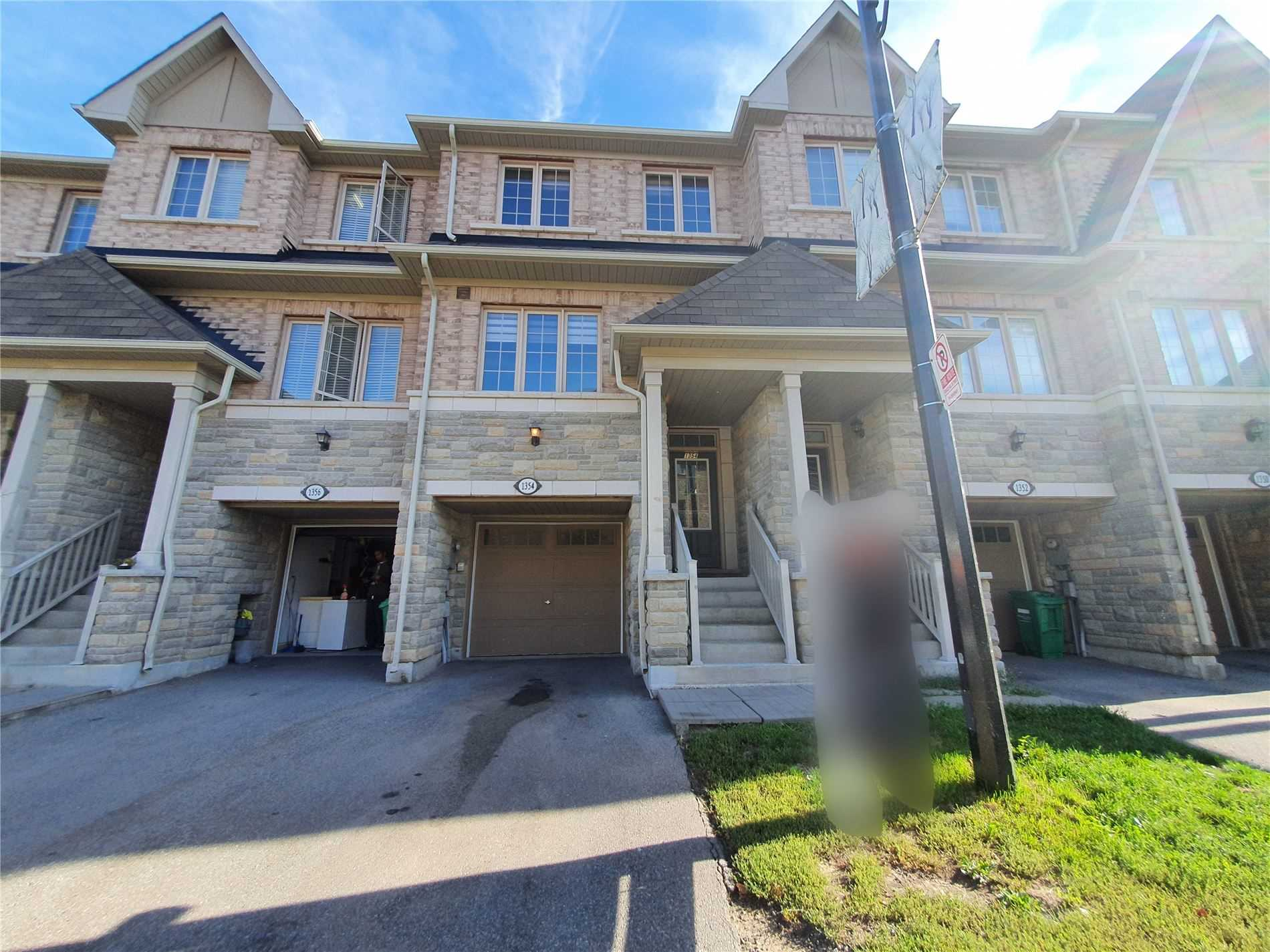 Att/row/twnhouse For Lease In Mississauga , 3 Bedrooms Bedrooms, ,3 BathroomsBathrooms,Att/row/twnhouse,For Lease,Granrock
